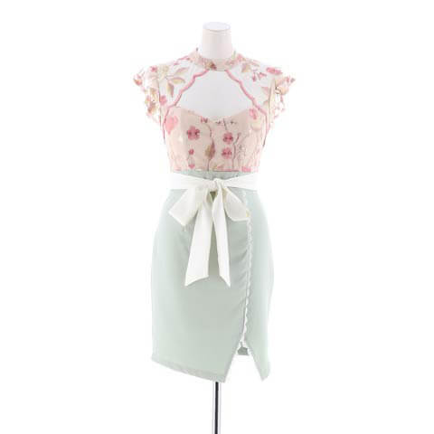 明日花キララ着用[SMLサイズ]花柄刺繍レースタイトミニドレス[3サイズ展開](ホワイト×グリーン-Sサイズ)