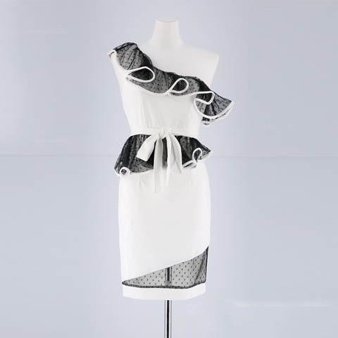 [SMLサイズ]ドットチュールフリルワンショルダータイトミニドレス[3サイズ展開](ホワイト×ブラック-Sサイズ)
