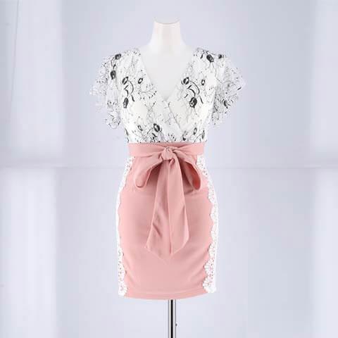 [SMLサイズ]谷間魅せウエストリボンタイトミニドレス[3サイズ展開](ホワイト×ピンク-Sサイズ)