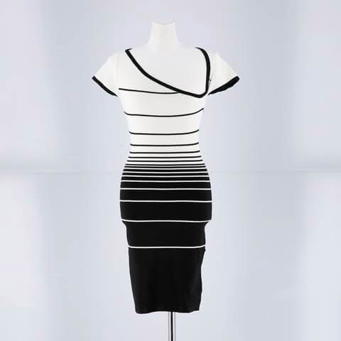 デコルテカットアウトボーダーミニワンピース[カジュアル/dazzy closet](ホワイト×ブラック-フリー)