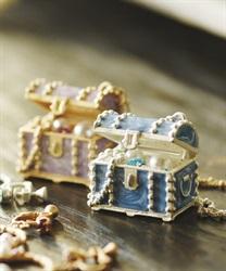 深海の宝箱ネックレス