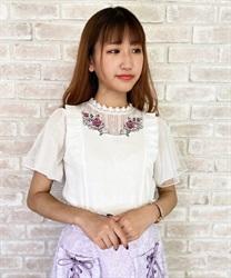 【2点10%OFF対象】ローズ刺繍異素材カットプルオーバー