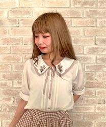 【均一価格/WEB限定】チューリップブーケ刺繍ブラウス