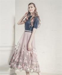 グラデチュール刺繍スカート