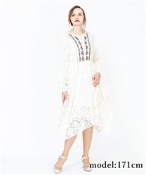 【OUTLET】胸元刺繍レースワンピース