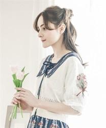 【予約】ブーケ刺繍ショートカーデ