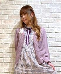 □【GWフェア/10%OFF対象】花刺繍ダイヤ編みニットカーディガン