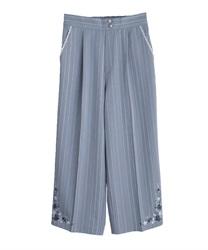 裾刺繍ストライプワイドパンツ(サックス-M)
