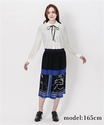 □パネル柄ミディ丈スカート