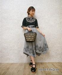 裾刺繍イレヘムスカート