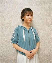 袖花刺繍半袖ショートパーカー