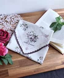 スカラ刺繍ハンカチ